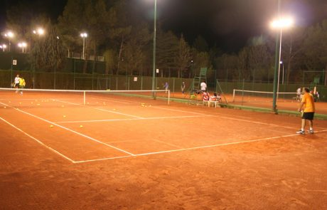 tenis-noche Real Sociedad de Tiro de Pichón de Granada